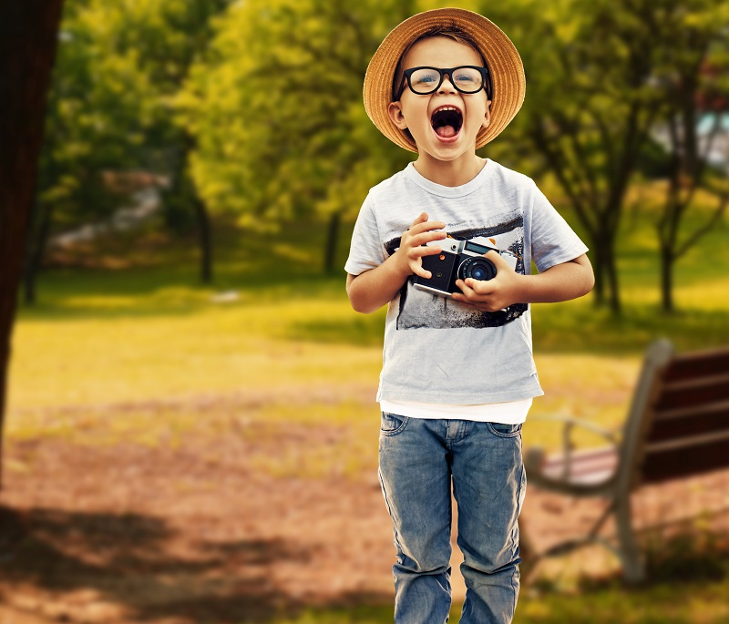 Die Gesundheit im Blick behalten. Vorsorgeuntersuchungen der Augen sind gerade für Kinder besonders wichtig. Bild: ArtMarie/iStock
