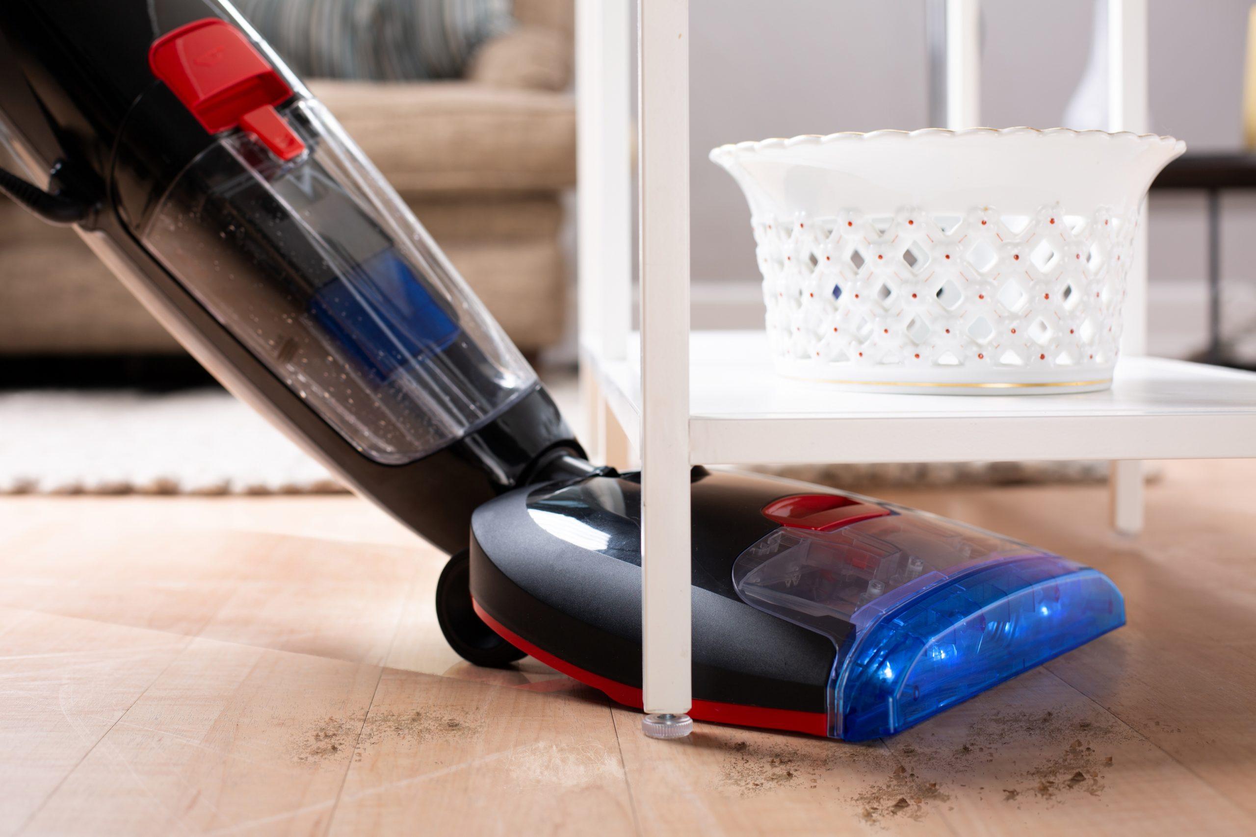 Putzen kann tatsächlich leicht und fix gehen, denn endlich fällt das lästige Bücken weg.