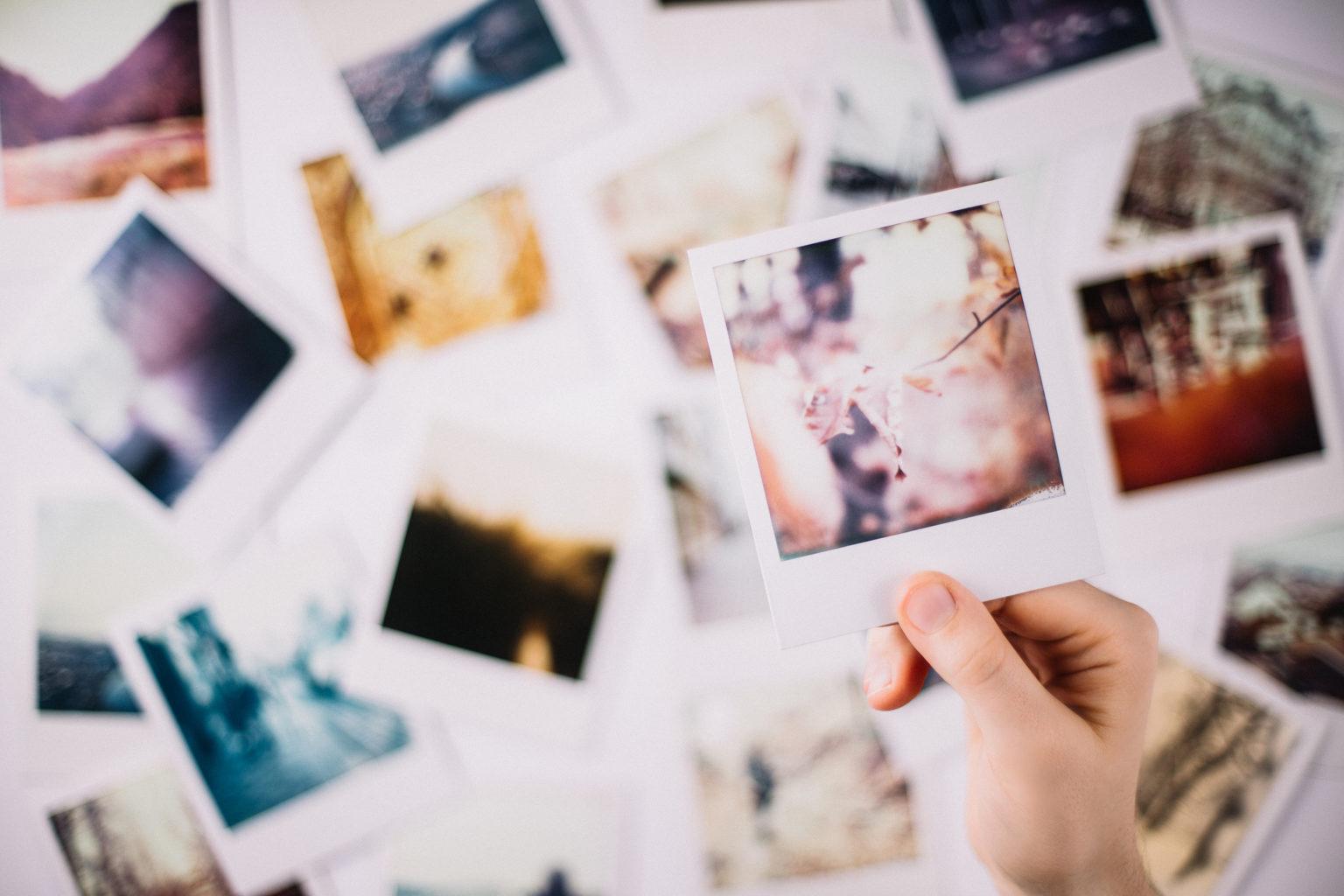 Beim Visualisieren helfen Bilder, die ihr euch regelmäßig anschaut, um euch emotional in die jeweilige Situation hineinversetzen zu können. Bild: Getty Images / Chris_Kreymborg