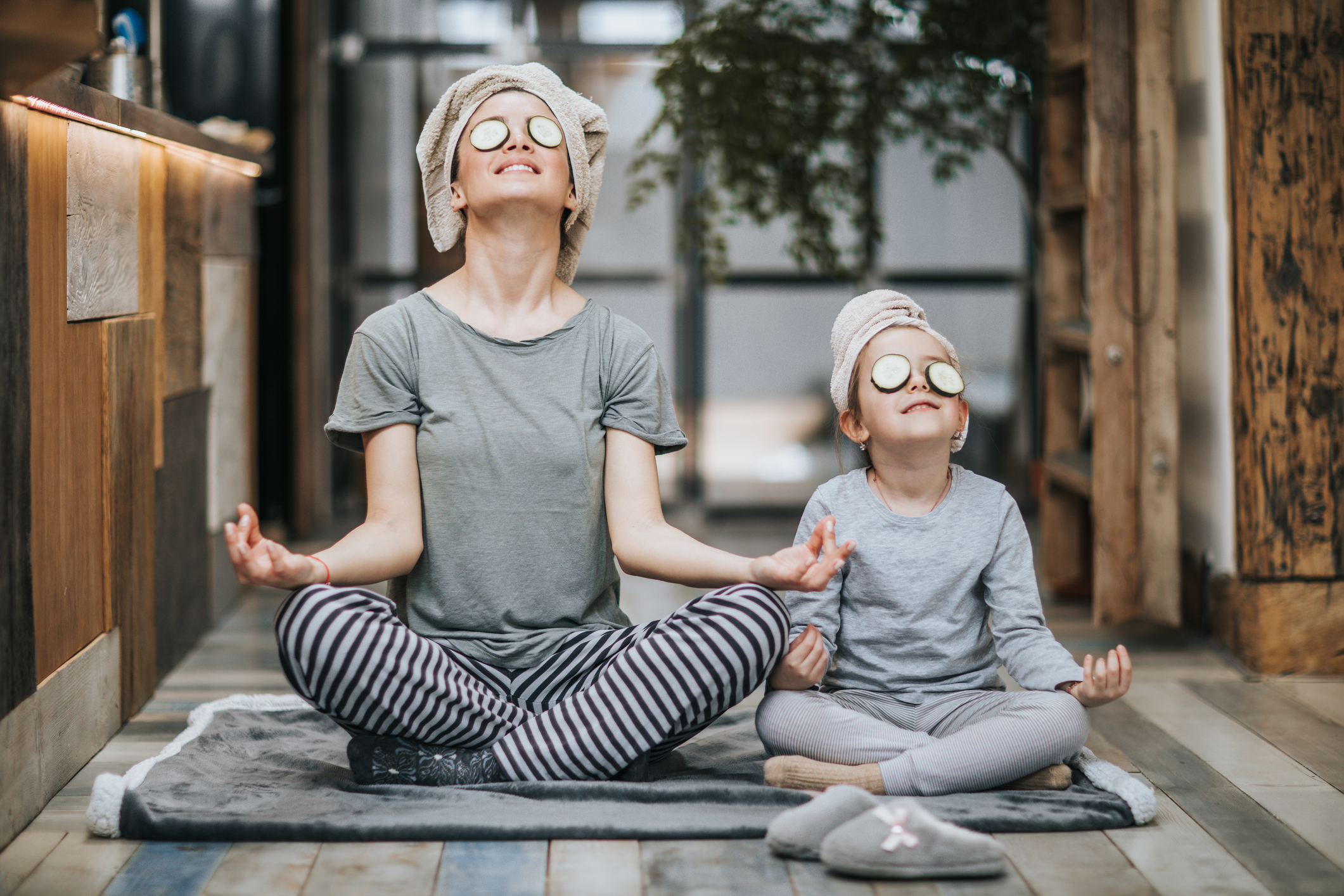 Eine regelmäßige Meditationsroutine kann Wunder bewirken. Bild: Getty Images / skynesher