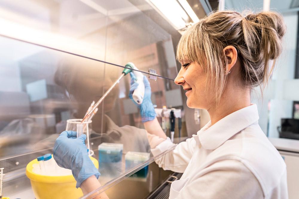 Mit der größten Zellbank im deutschsprachigen Raum ist Vita 34 der Experte für die Einlagerung von bei der Geburt gewonnenen Stammzellen aus der Nabelschnur.